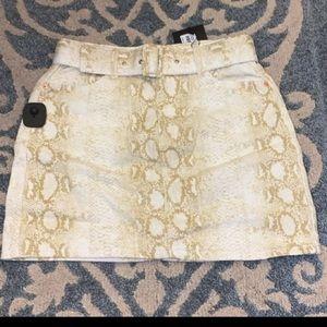 Denim belted skirt